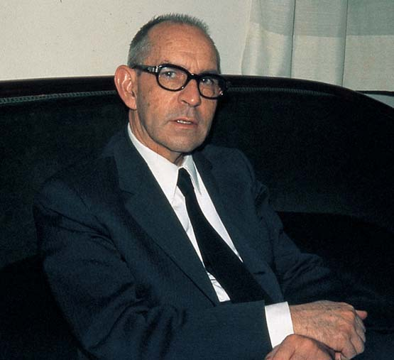 Salvador Espriu net worth salary